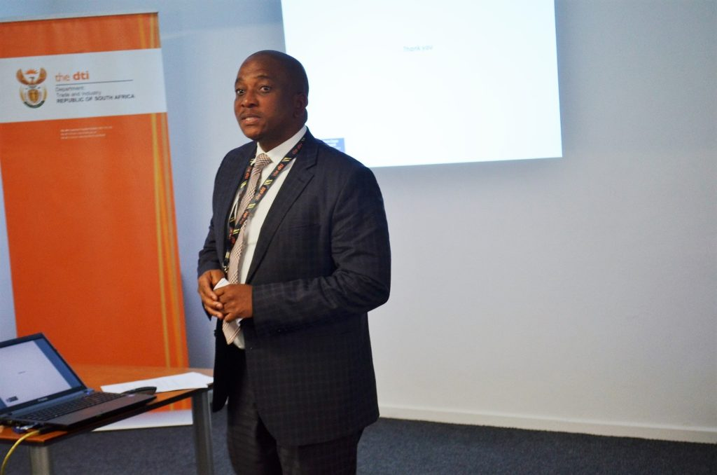 The dti Deputy Director-General for Special Economic Zones and Economic Transformation, Mr Sipho Zikode engaging with Western Cape delegates during the Special Economic Zones Roadshow